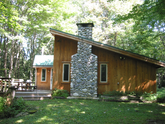 Another exterior photo of the cabin