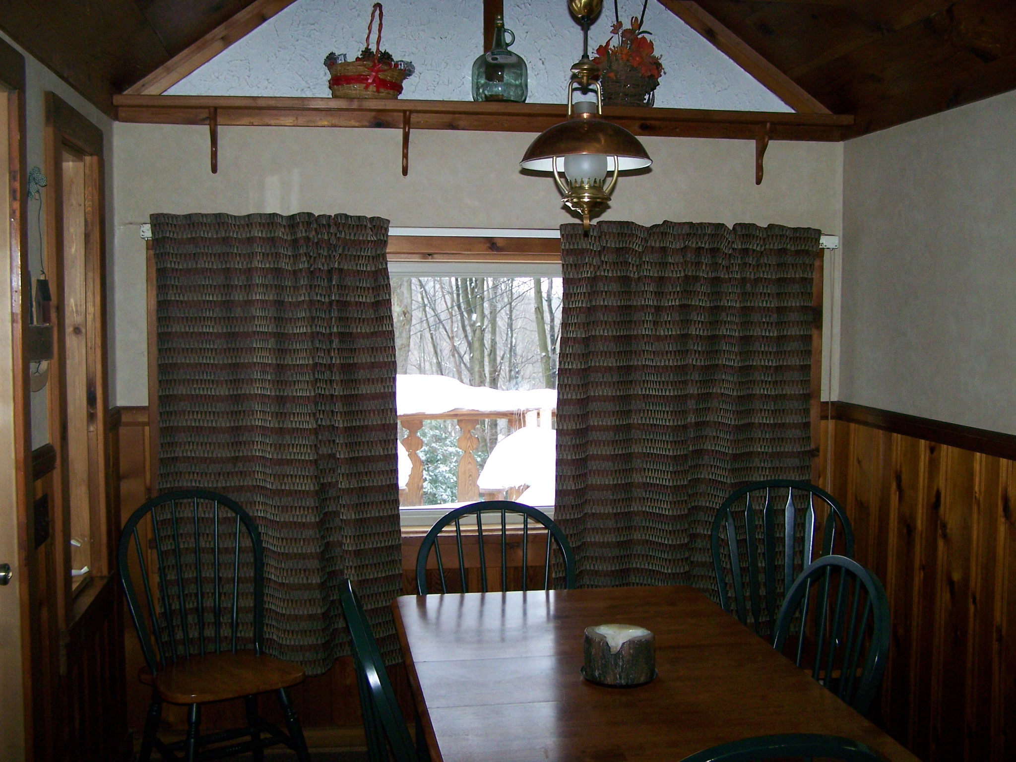Kitchen eating Area-seating 6-8