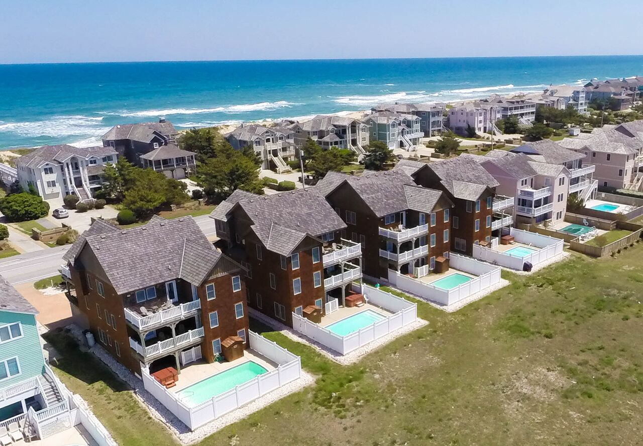 Multiple Large Vacation Homes for Rent in the OBX - Great for Family Reunions