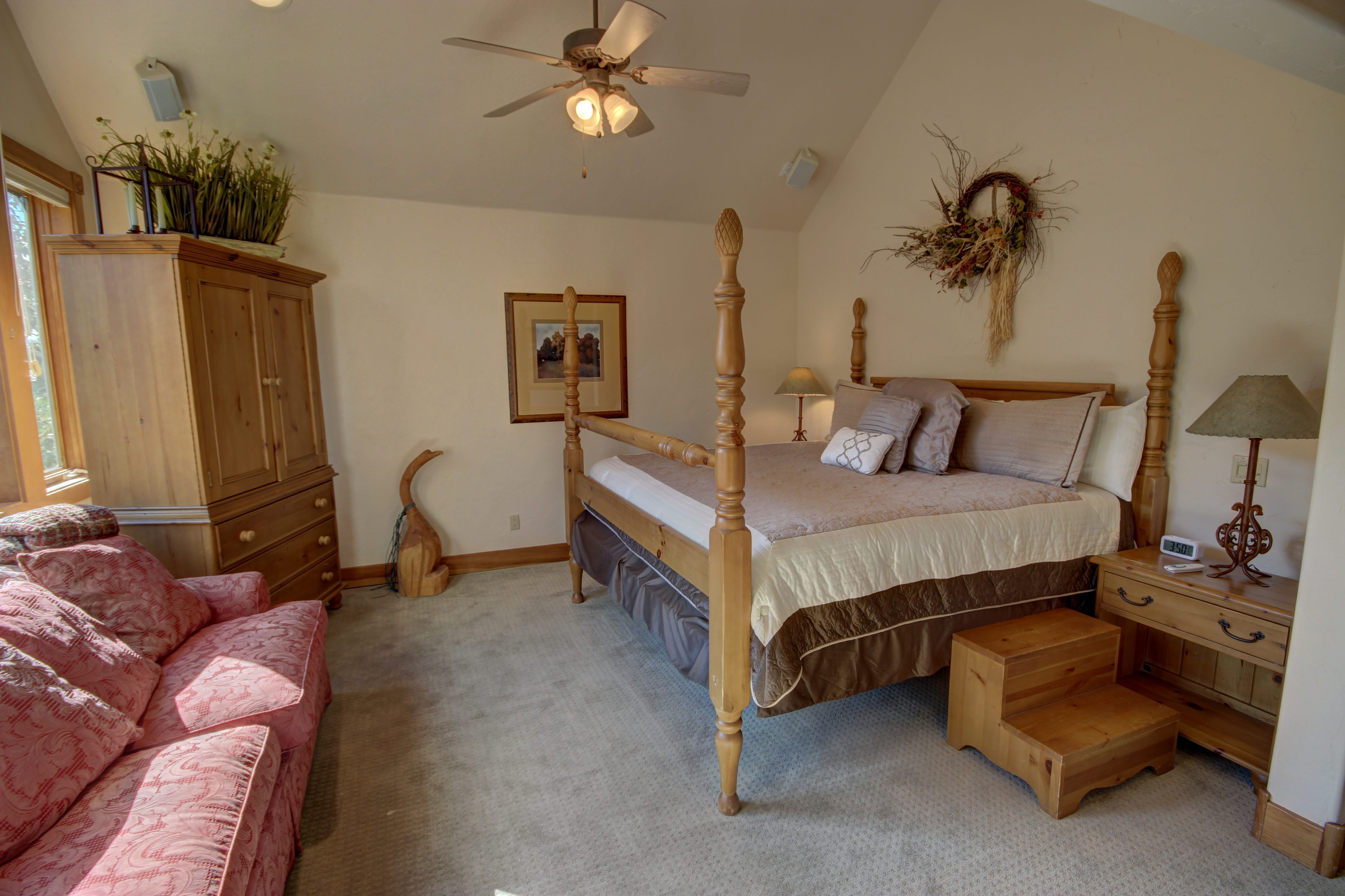 Bedroom with a 4-post bed frame