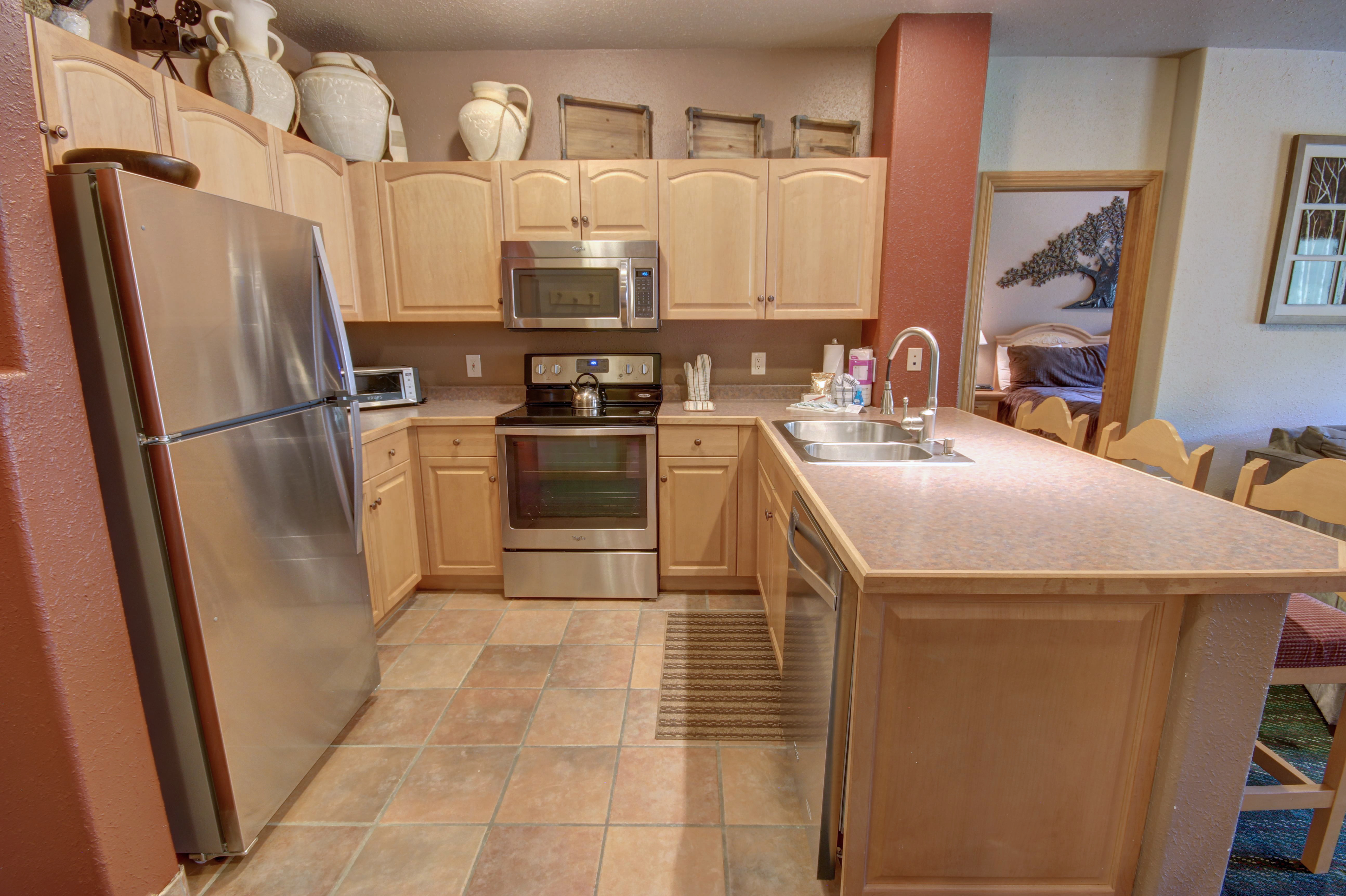 Nice open kitchen with plenty of space for making your favorite foods