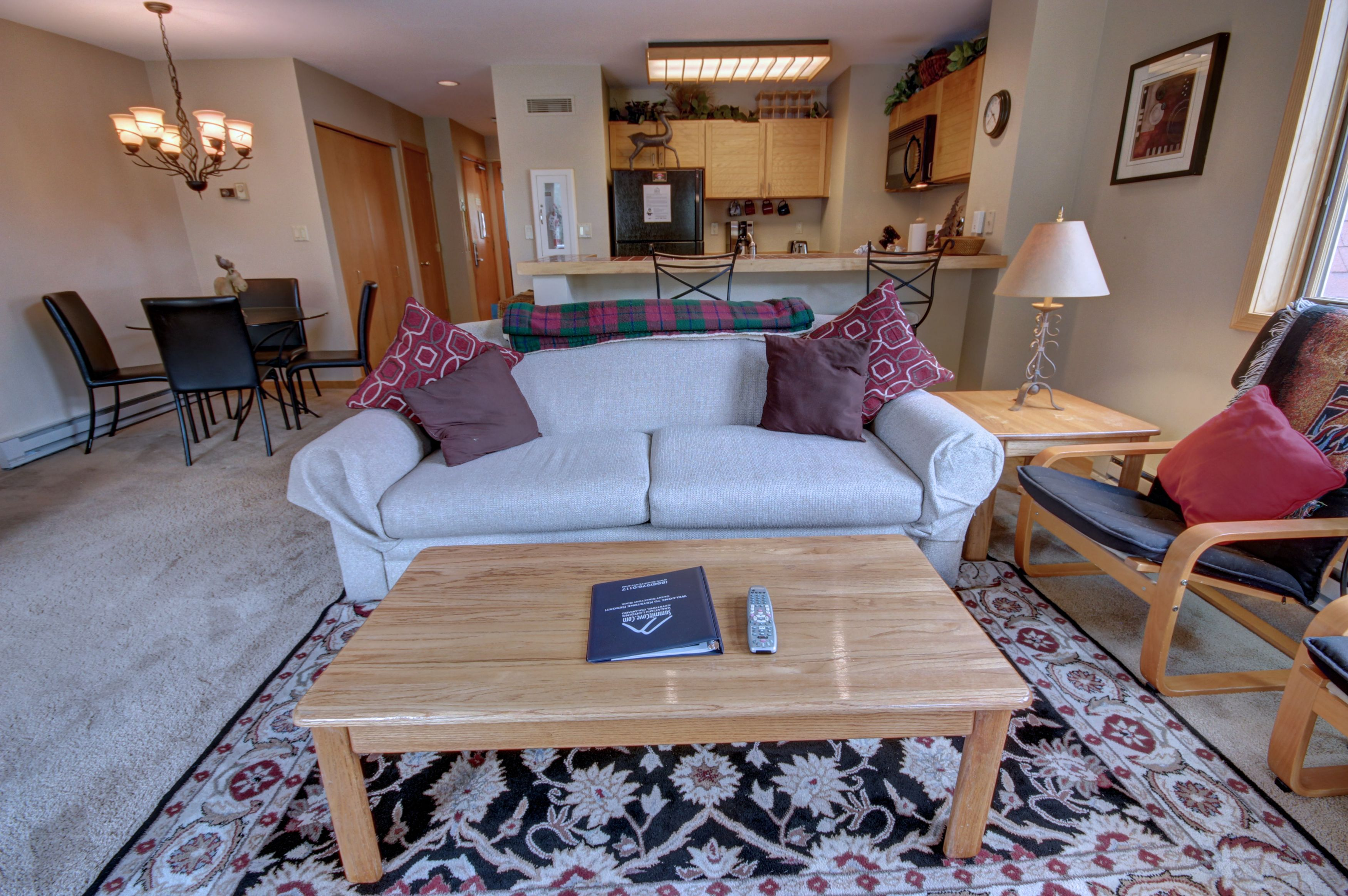 Living room with plenty of space for everyone
