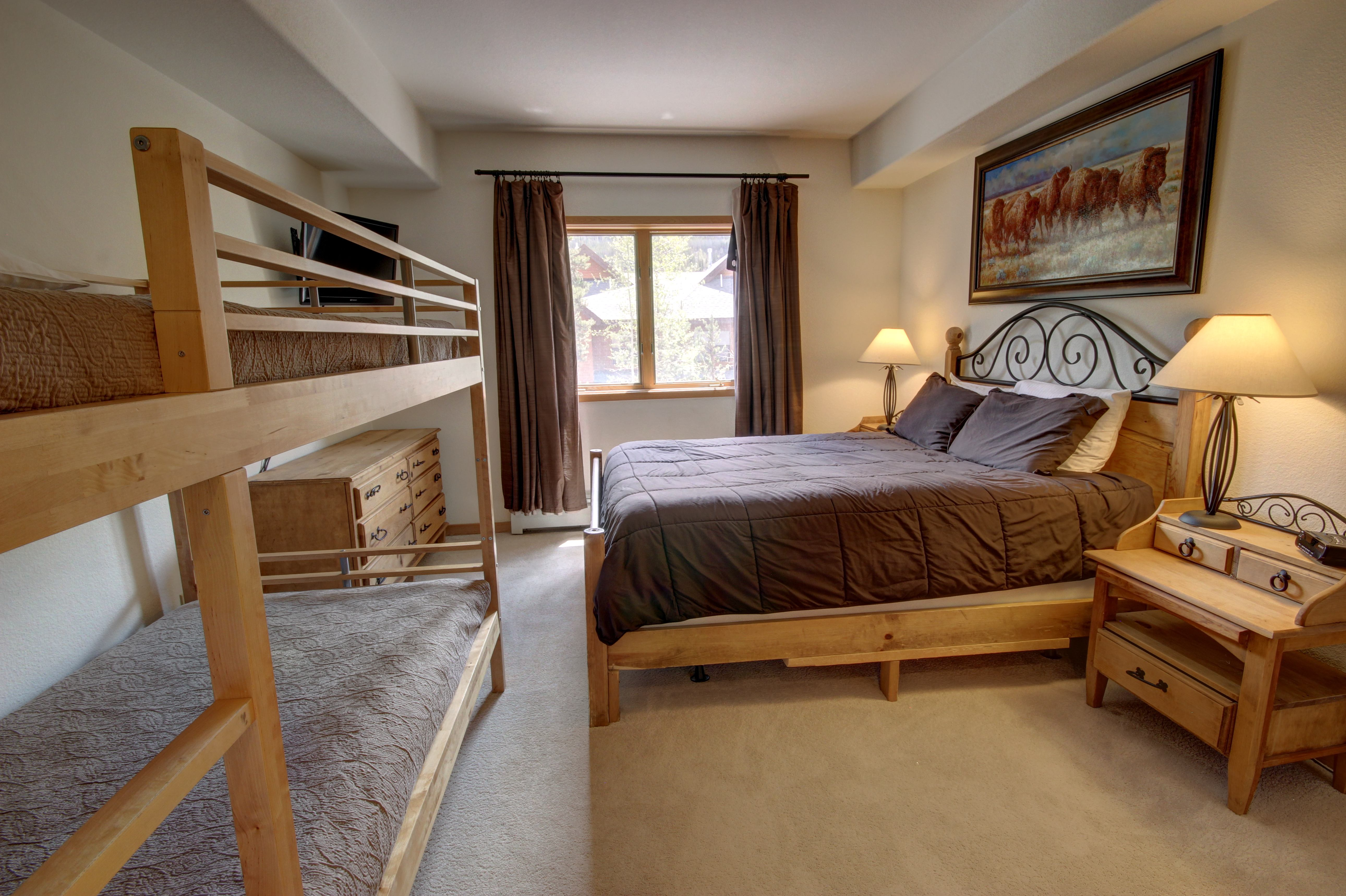 Bedroom perfect for small kids and their parents