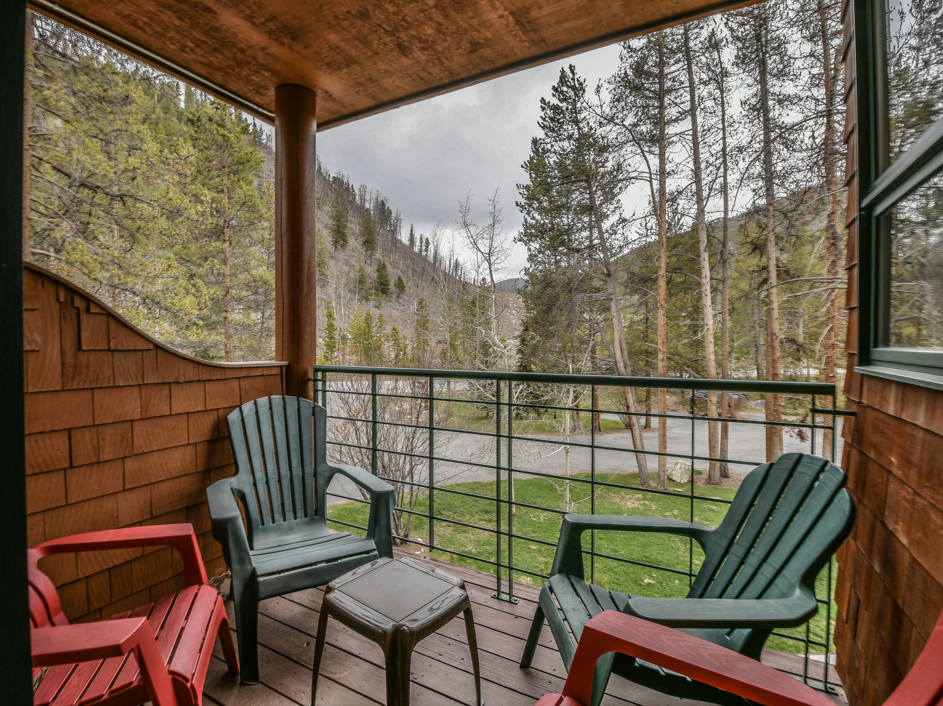 Porch with space to relax and watch the spectacular view