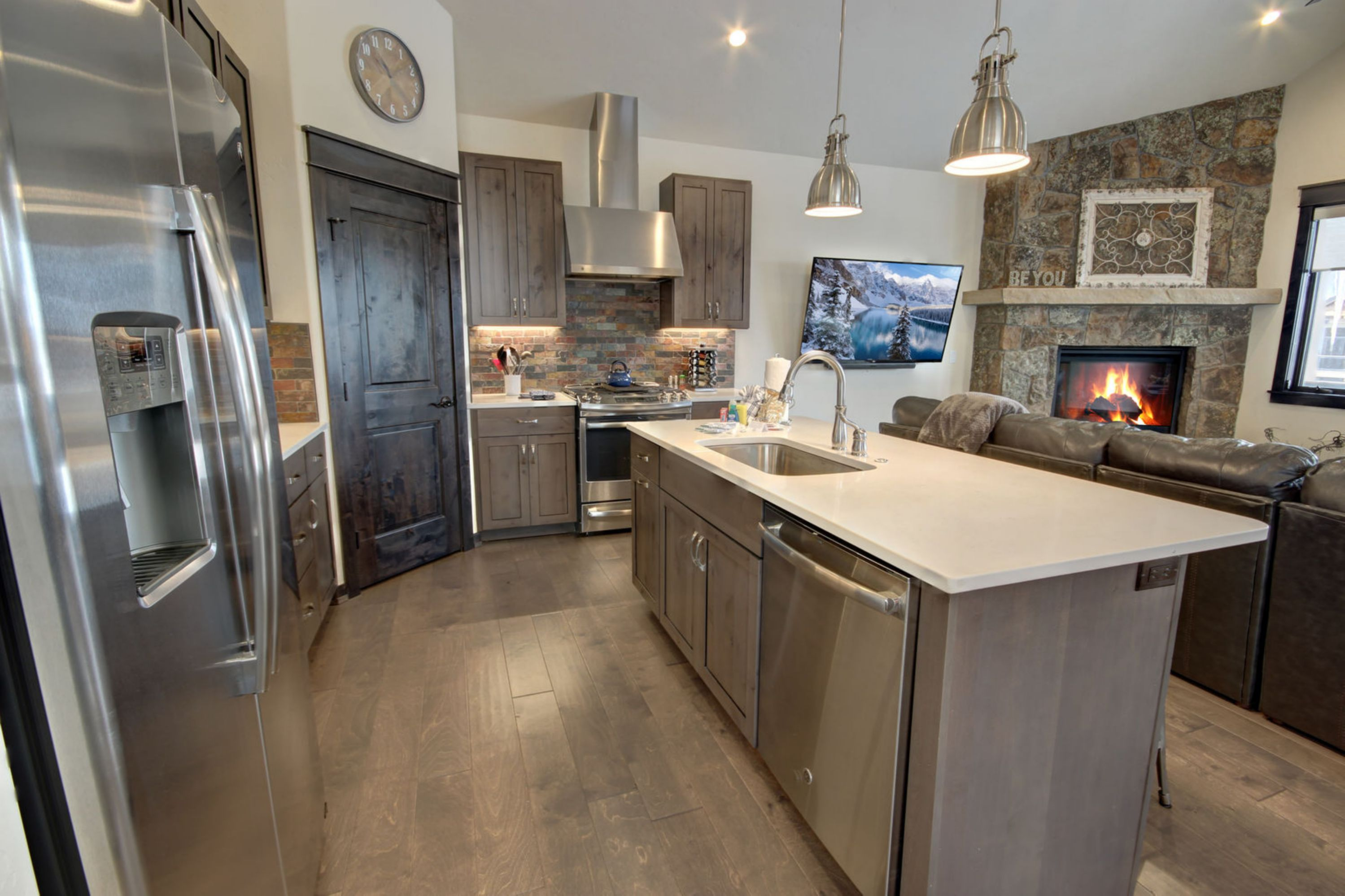 Kitchen with space to make great meals