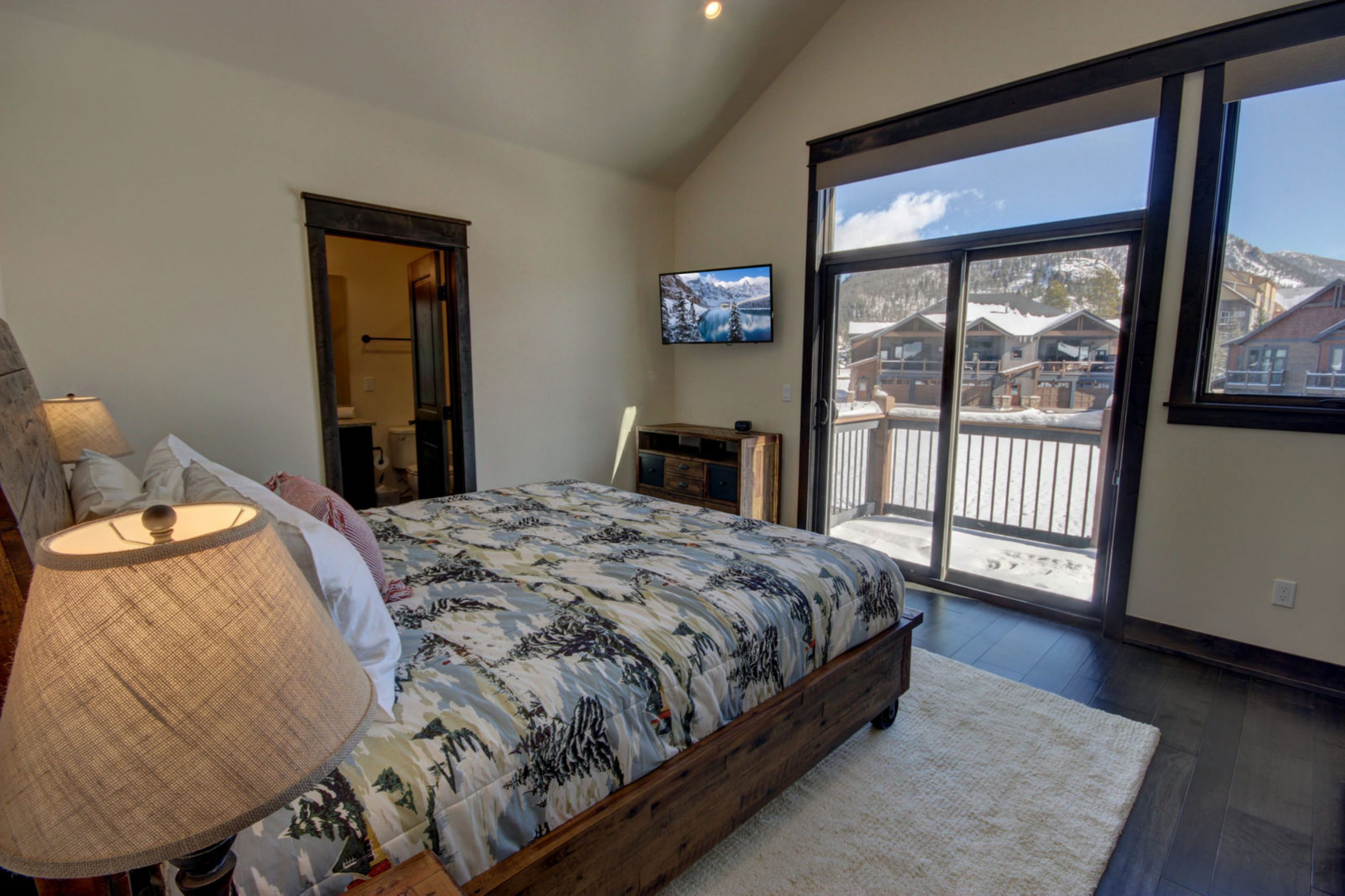Bedroom with an amazing view of Keystone