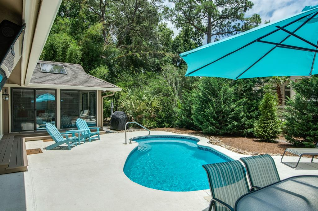 Pool Deck and Grill