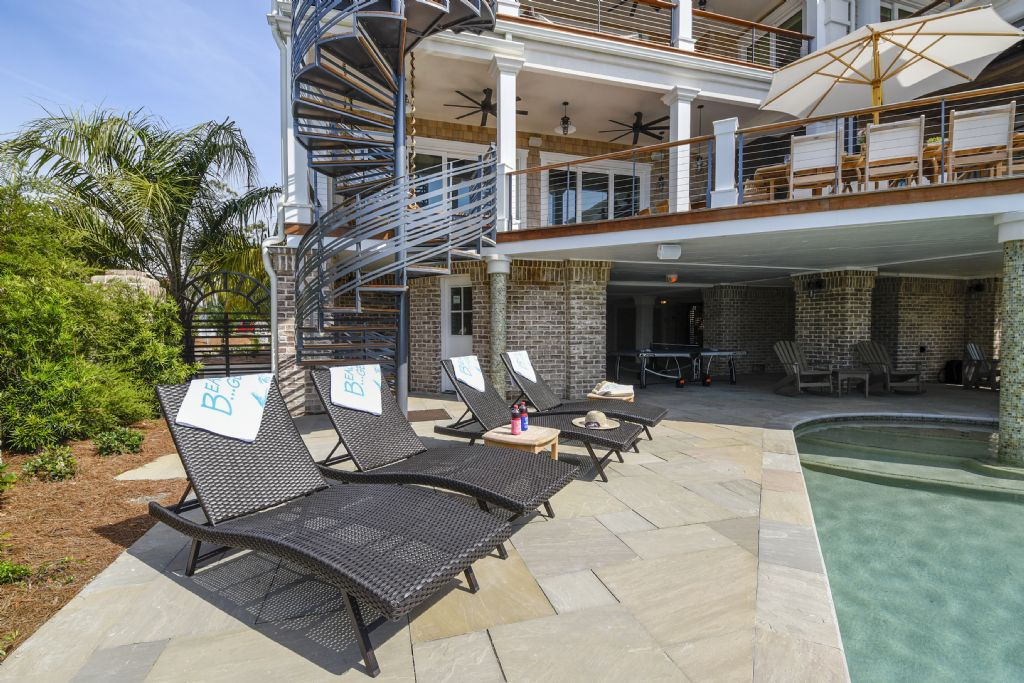Pool Deck Seating
