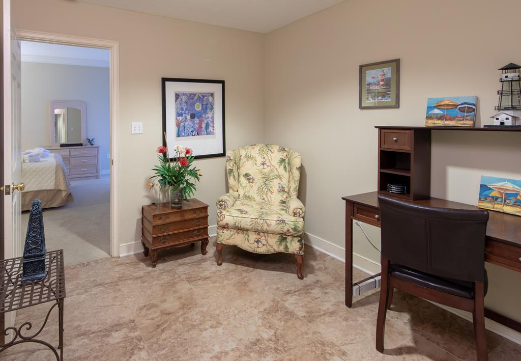 Study between Master Bedroom and Hall