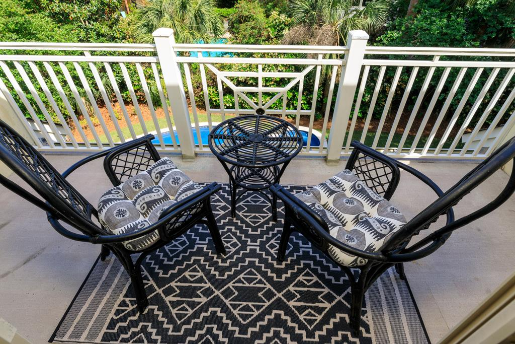 Guest bedroom porch seating