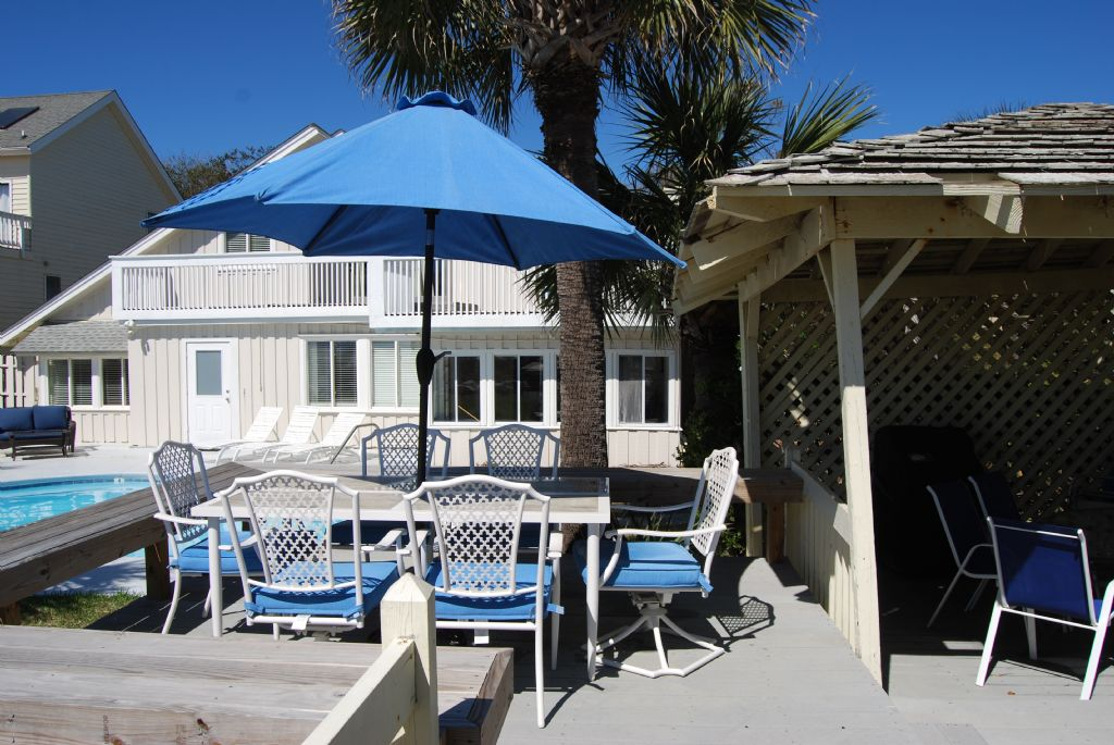 Sun deck and Dining