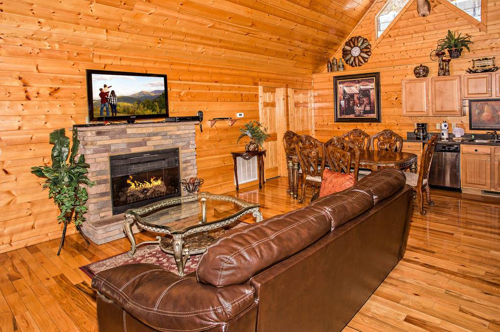 Smoky Mountain 2 bedroom cabin rental perfect for couples