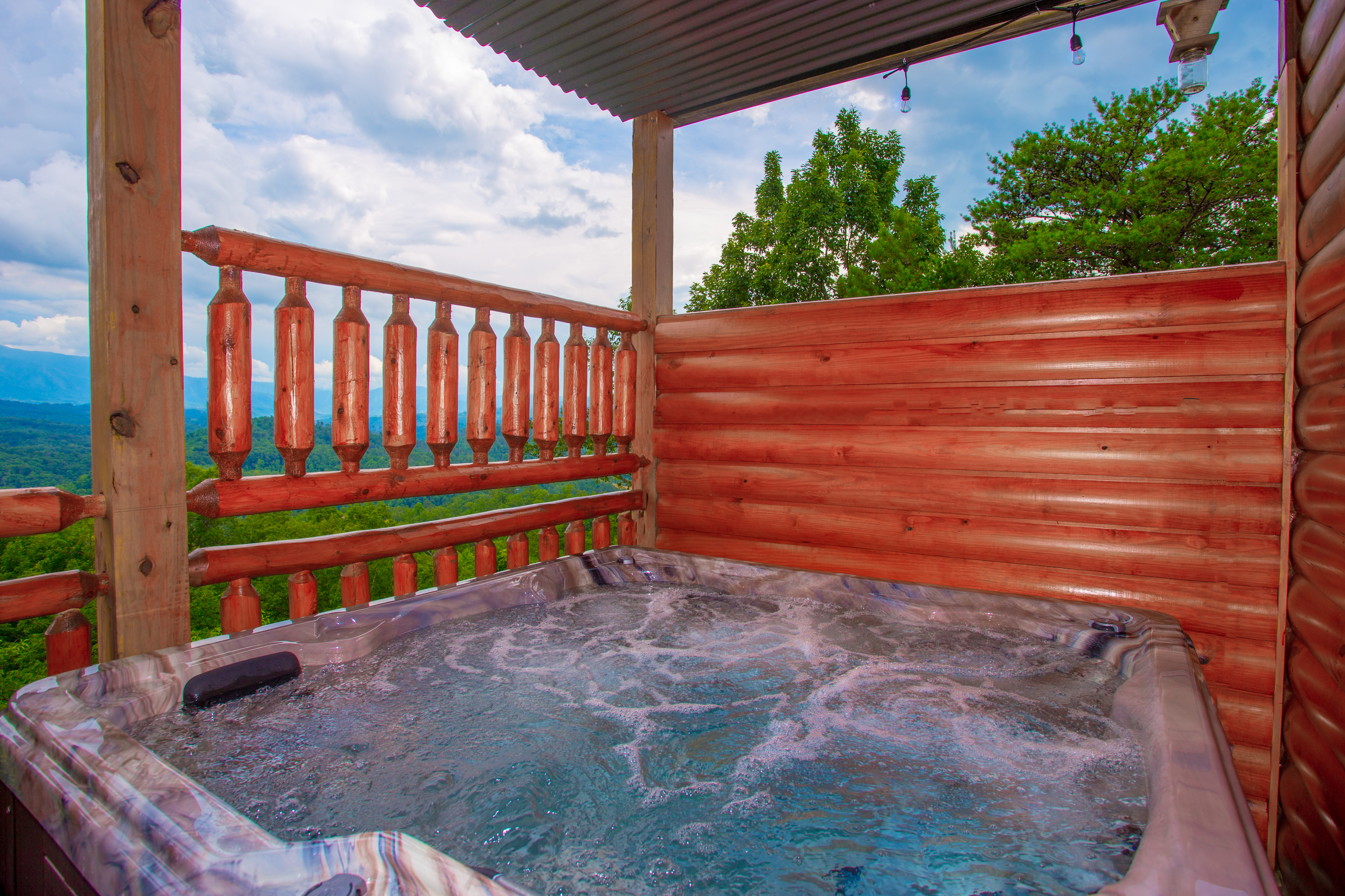 Majestic Mountain Lodge 6 Bedroom Vacation Cabin Rental