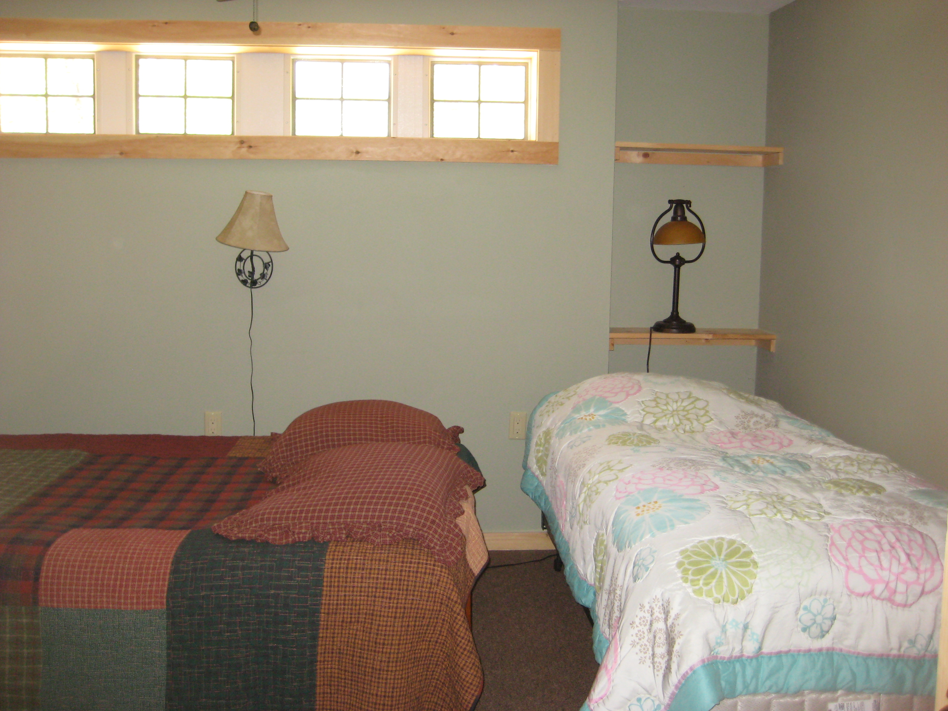 LOWER LEVEL DOUBLE FUTON AND TWIN ROOM