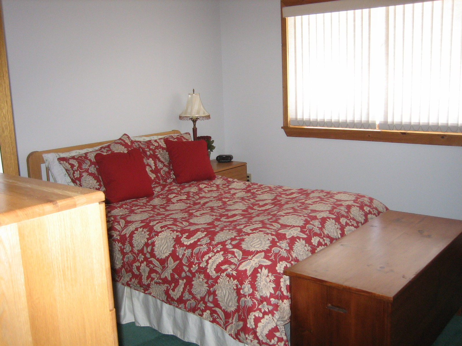 LOWER LEVEL DOUBLE BED