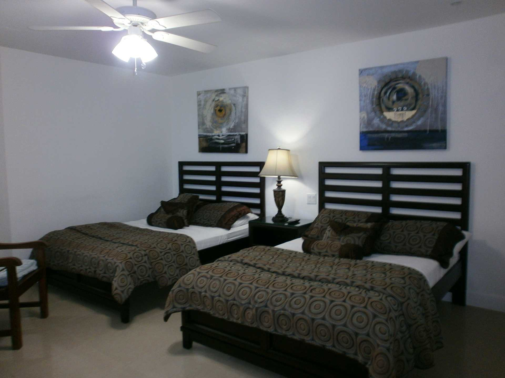 Second bedroom with two double (=full-size) beds