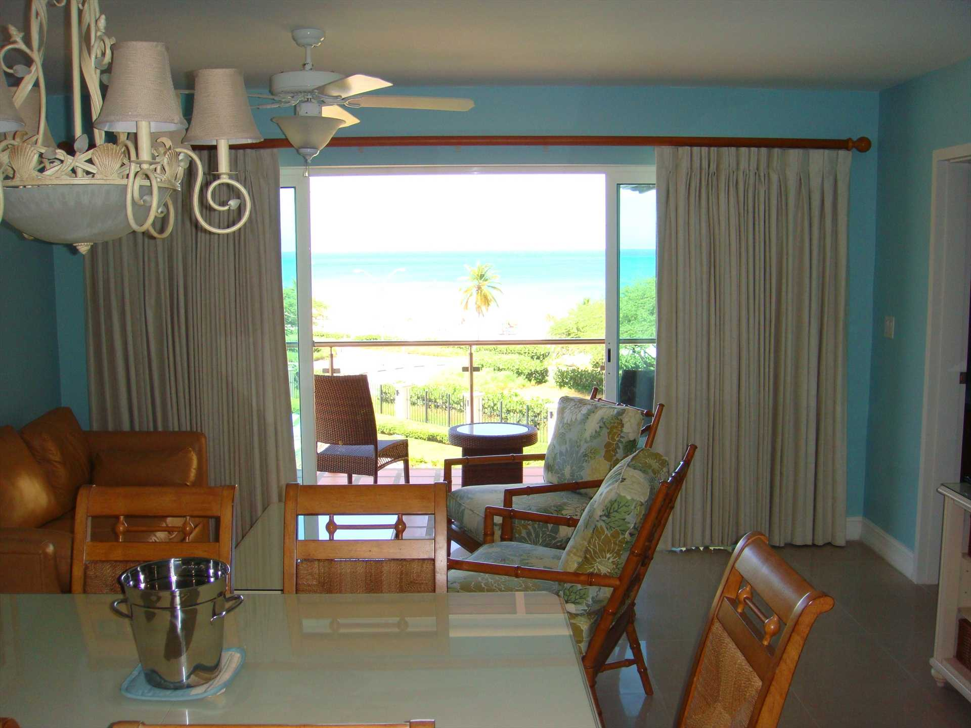 ...yes, you do have ocean view from your dining table....