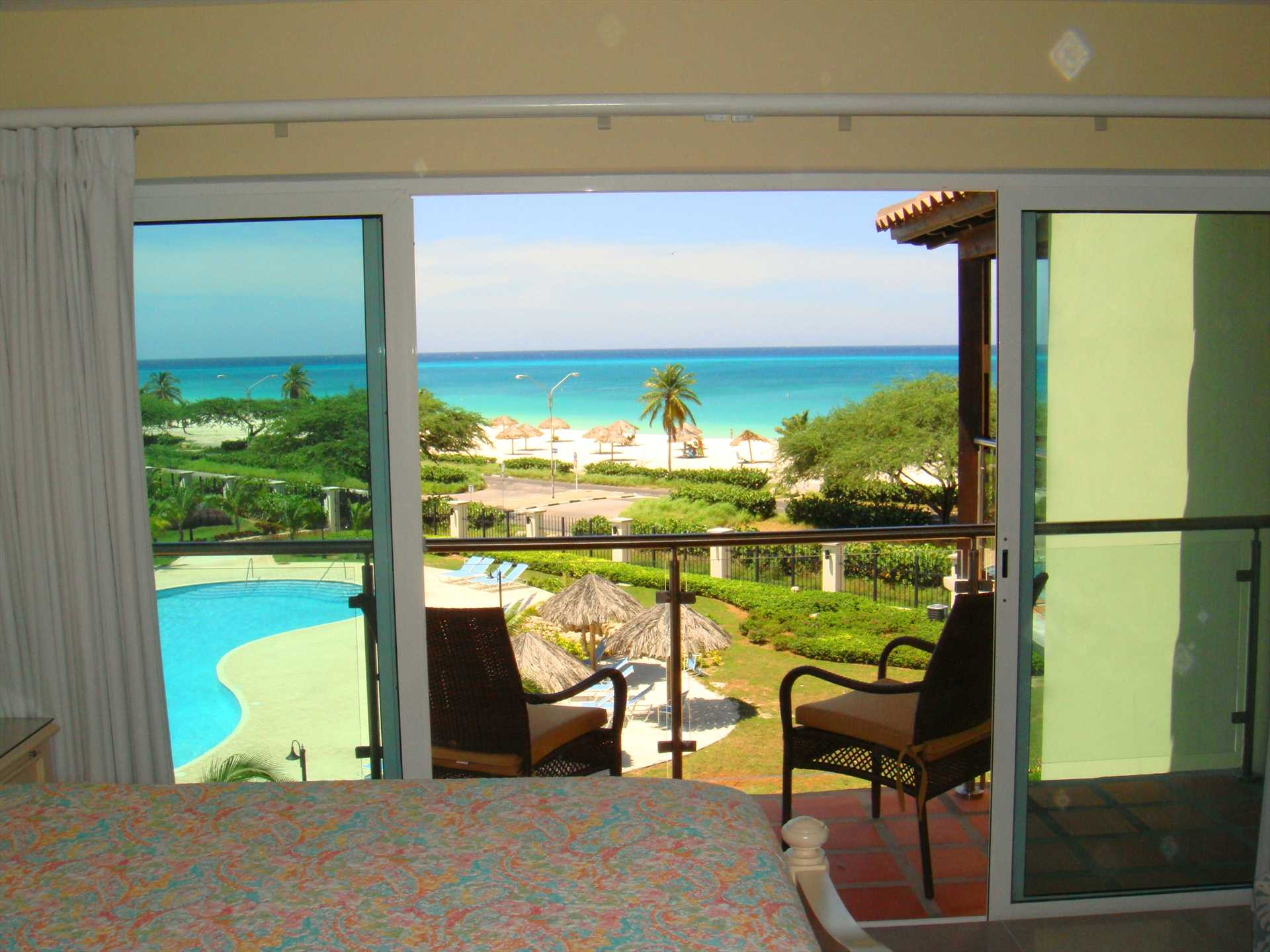 Ok, yes...you can savor ocean views from your bed in here too!