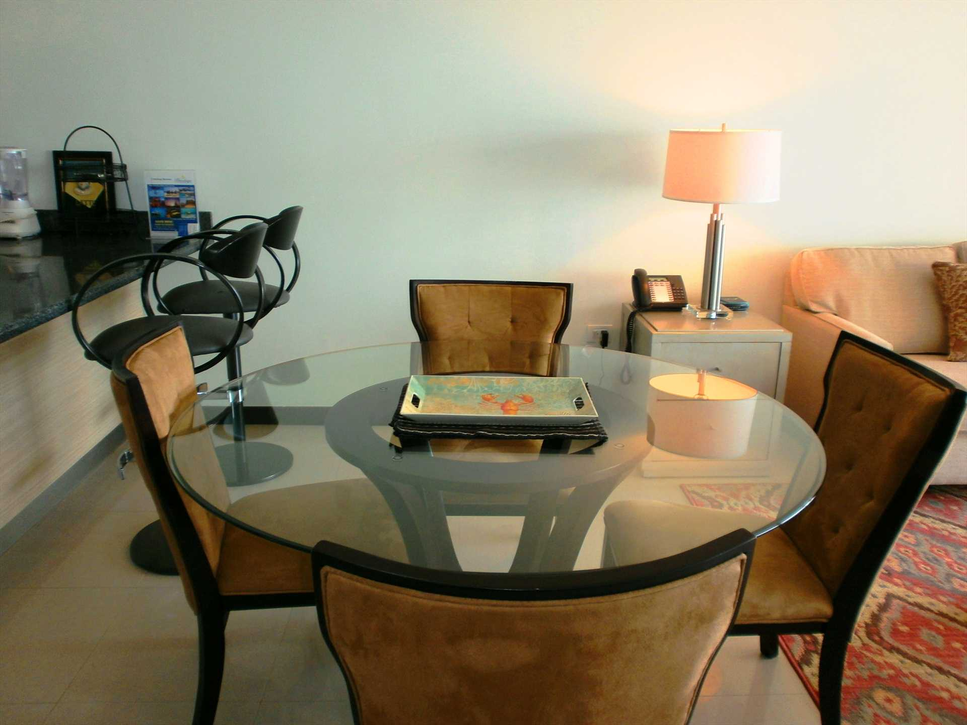 4-seat round dining table