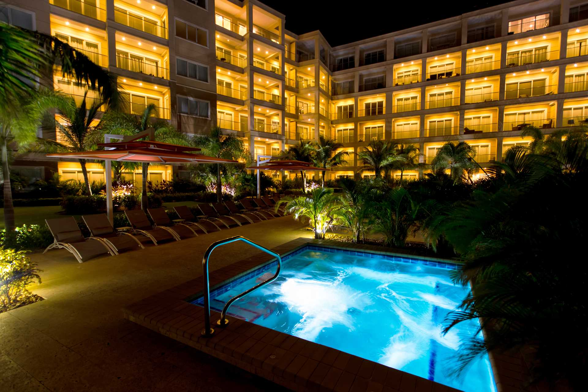 The LeVent resort un-heated Jacuzzi at night!