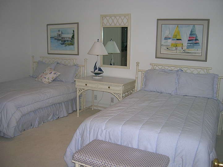 Bedroom 2 - middle