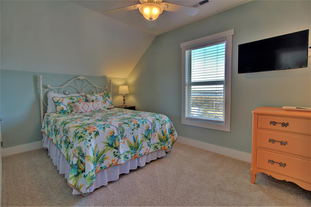 Upstairs Bedroom 6a