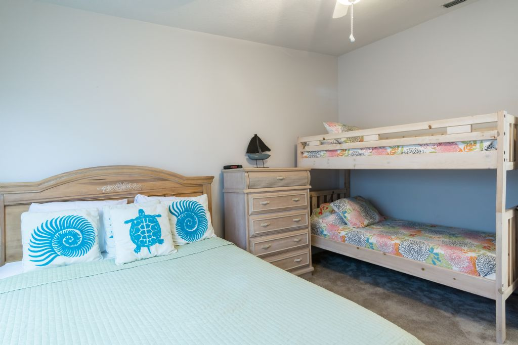 2nd Bedroom Q with bunks