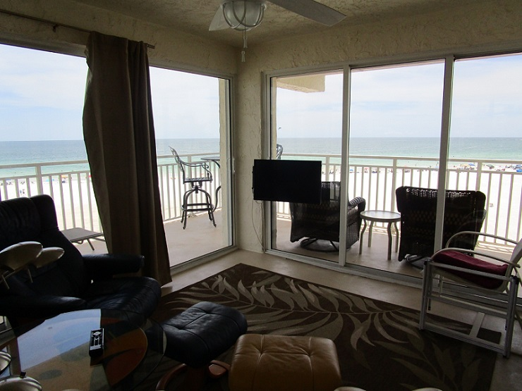 Living room with a view out to the ocean.