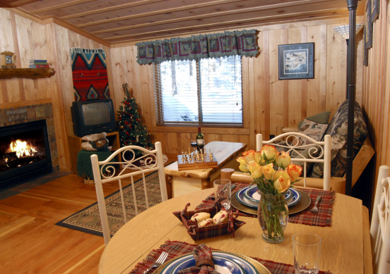Cascade Suite   Perfect For Romantic Getaways U0026 Colorado Hon. Colorado Cabin  Rental