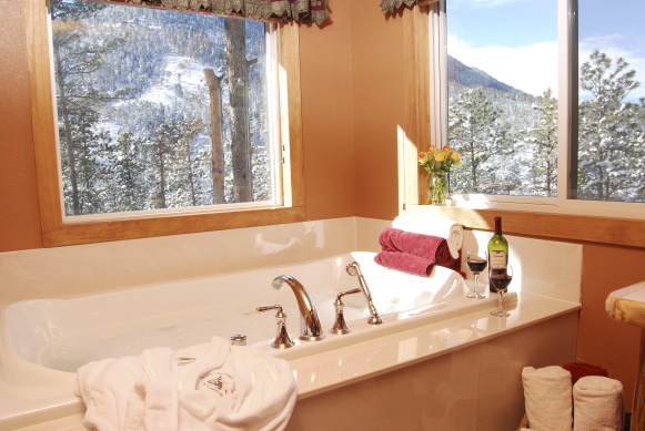 Jetted Tub for Two in the Cascade Suite
