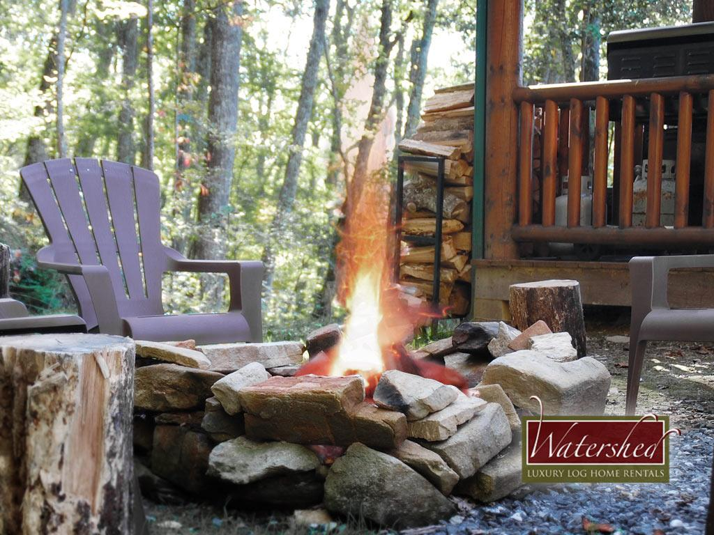 BBL-ext-firepit-Watershed-Cabins