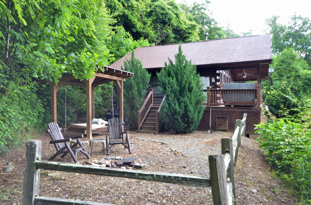 Free 4x4 Tour Cabin W Firepit Outdoor Bed Swing 86983 Find Rentals