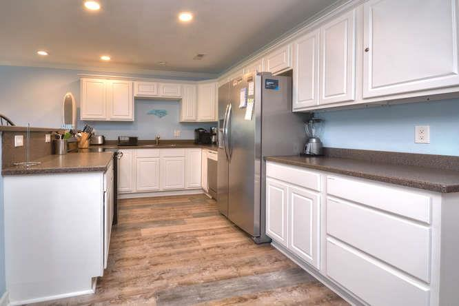 105 SE 58th St Oak Island NC-small-010-16-Kitchen-666x444-72dpi