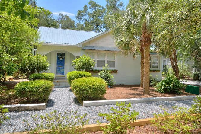 411 W West Street Southport Nc 2 Bedroom Vacation Home Rental Pet Friendly 118620 Find Rentals