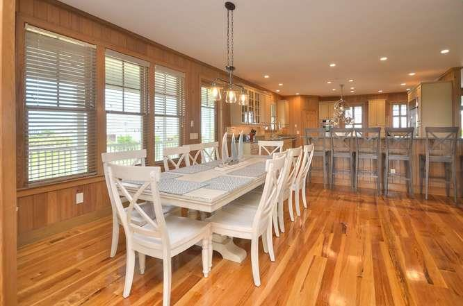 6622 Kings Lynn Dr Oak Island-small-014-33-DiningKitchen-666x442-72dpi