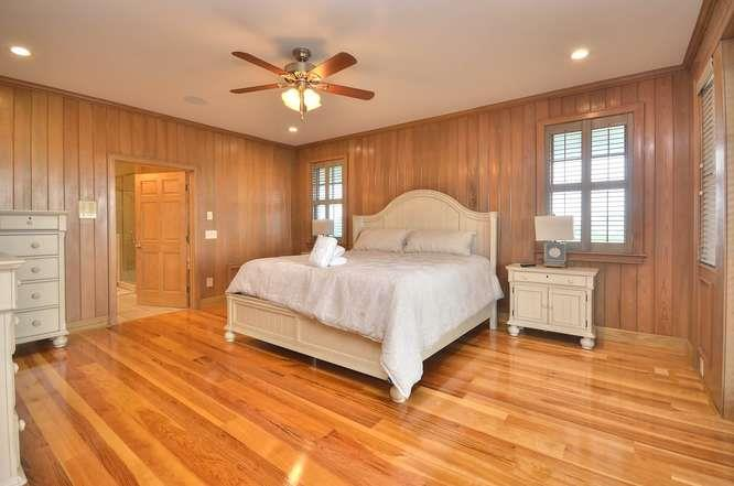 6622 Kings Lynn Dr Oak Island-small-023-8-Master Bedroom 1-666x441-72dpi