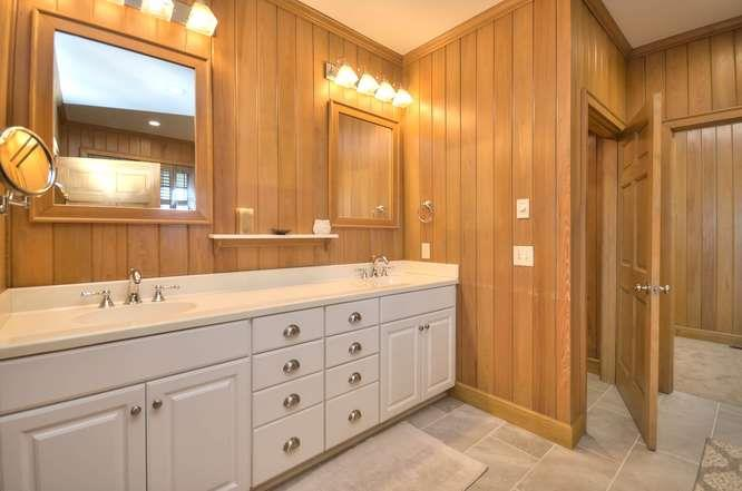 6622 Kings Lynn Dr Oak Island-small-025-35-Master Bathroom 1-666x442-72dpi