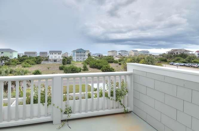 6622 Kings Lynn Dr Oak Island-small-043-45-Master Bedroom 2 Ocean View-666x441-72dpi