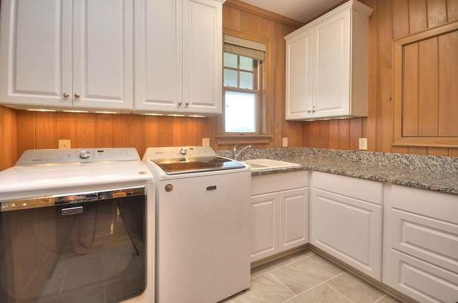 6622 Kings Lynn Dr Oak Island-small-050-16-Laundry Room-666x441-72dpi