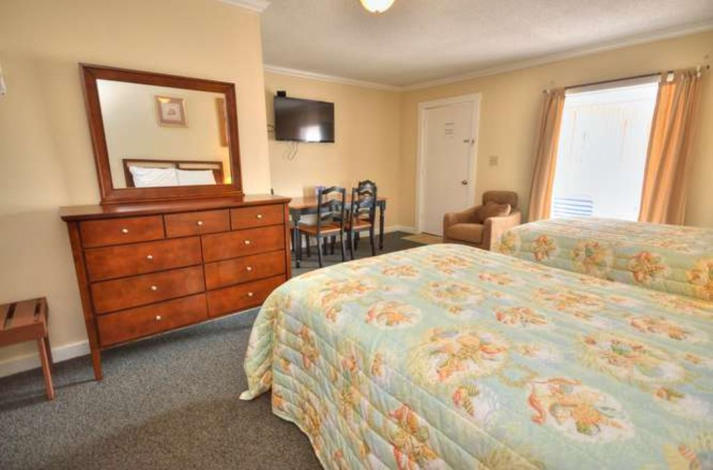 Double Beds Dresser Sitting area