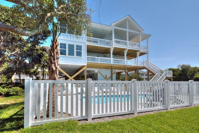 Sea Cure 120 SE 63rd St Oak-small-001-5-Front of Home-666x444-72dpi