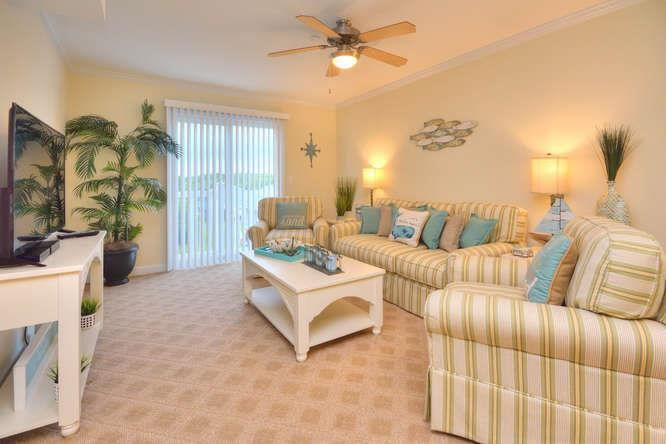 105 SE 58th St Ocean Walk 4303-small-004-16-Living Room-666x444-72dpi