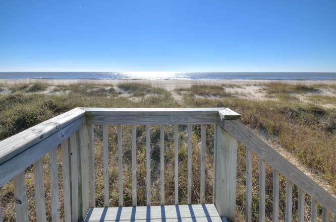 Blue Crab Cove 711 Caswell-small-003-26-Oceanfront-666x442-72dpi