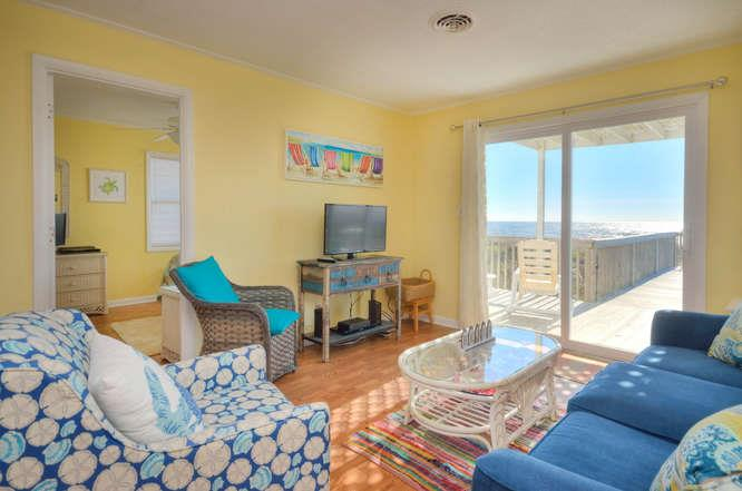 Blue Crab Cove 711 Caswell-small-006-28-Living Room-666x442-72dpi