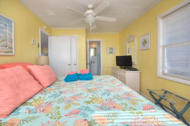 Blue Crab Cove 711 Caswell-small-015-16-Bedroom 1-666x442-72dpi