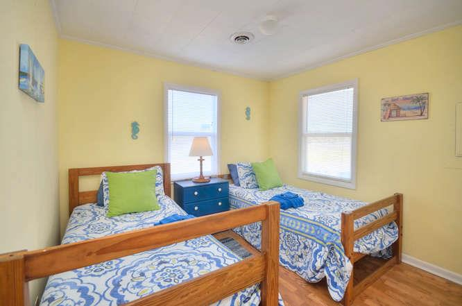 Blue Crab Cove 711 Caswell-small-018-11-Bedroom 2-666x442-72dpi