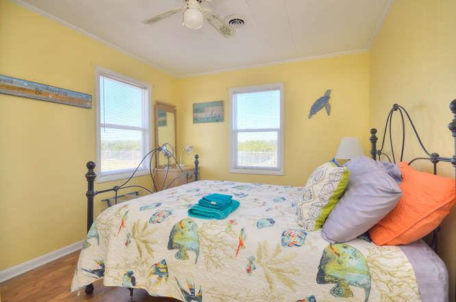 Blue Crab Cove 711 Caswell-small-022-20-Bedroom 4-666x442-72dpi