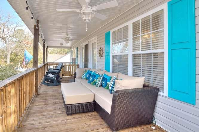 1007 W Yacht Dr Waters Edge-small-003-25-Front Porch-666x444-72dpi