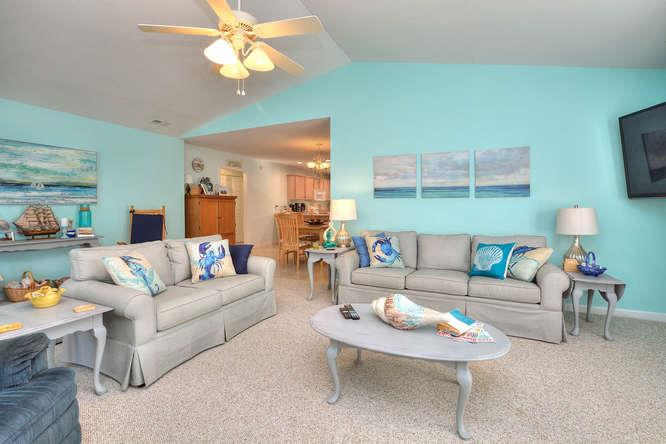 1007 W Yacht Dr Waters Edge-small-005-6-LivingDining-666x444-72dpi
