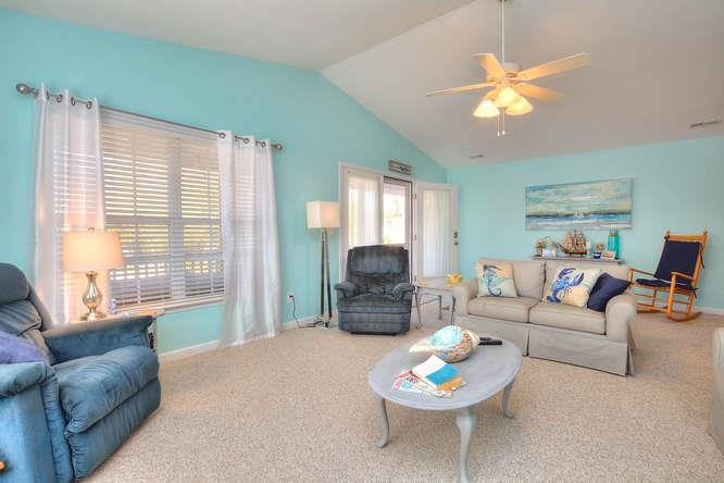 1007 W Yacht Dr Waters Edge-small-006-4-Living Room-666x444-72dpi